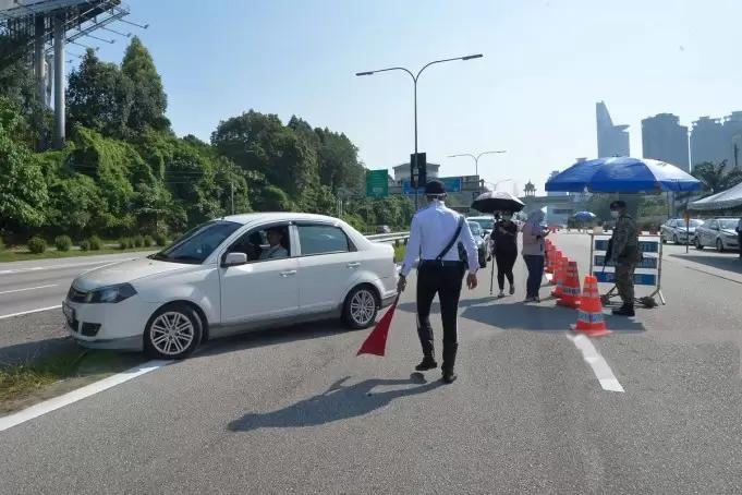 334 kenderaan diarah patah balik SJR di Sabah