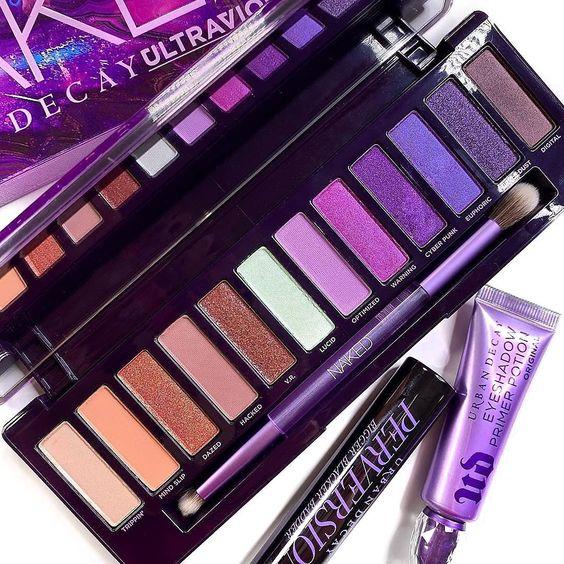 10-productos-belleza-fijador-maquillaje-paleta-sombra-ojos-ultraviolet-urban-decay