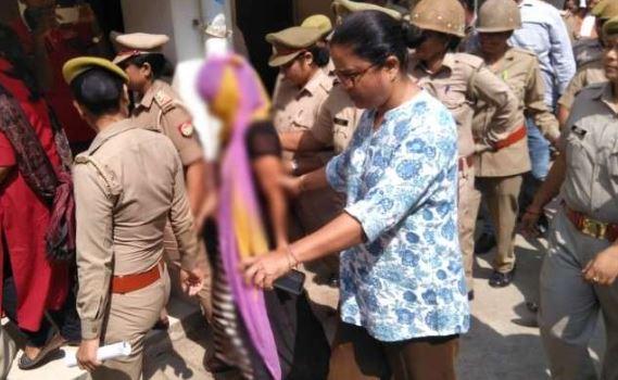 चिन्मयानंद प्रकरण: रंगदारी मांगने की आरोपी छात्रा कोर्ट ने भेजा जेल - newsonfloor.com