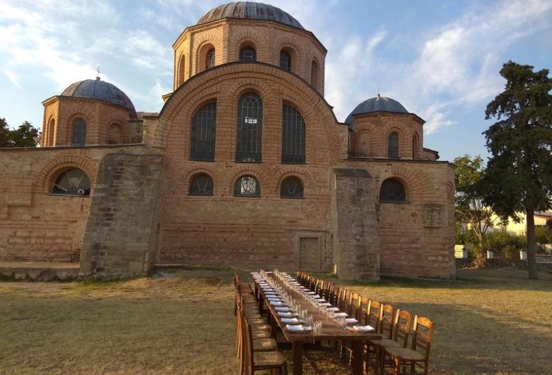 Βυζαντινό δειπνοτράπεζο στην Παναγία Κοσμοσώτειρα Φερών