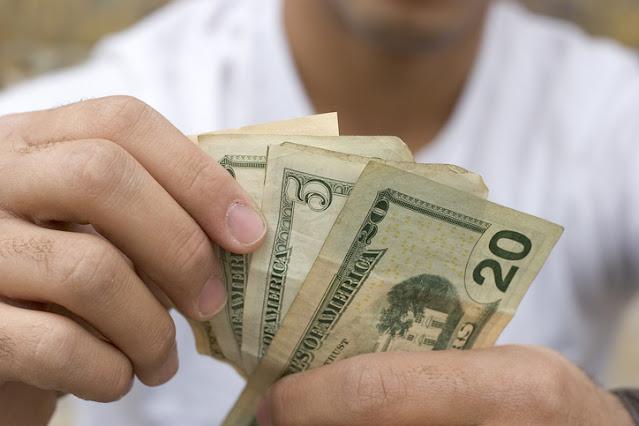 Examinez votre relation avec l'argent