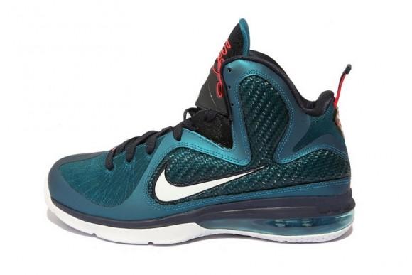 separation shoes e17e9 88b05 SNKROLOGY: A SOFT SPOT: Nike LeBron 9