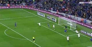 بالفيديو  برشلونة يقهراشبيلية بثلاثية نظيفة اليوم الاربعاء 5-4-201 فى الدوري الاسباني