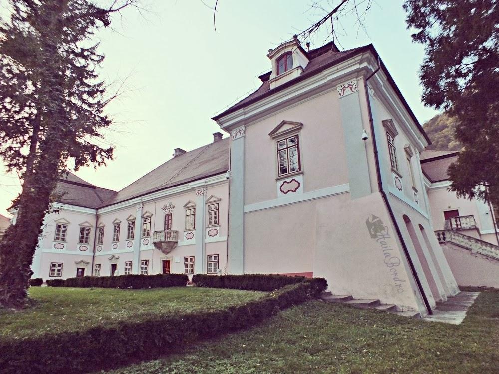 palatul magna curia bethlen muzeu istorie deva