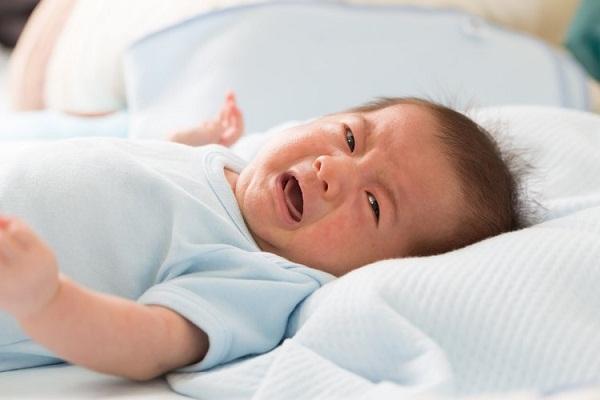 Cara Mengatasi Bayi yang Susah BAB pada Umur 2 Bulan