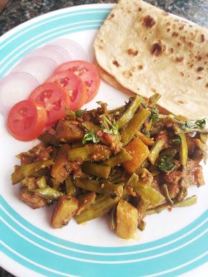 Sindhi Style Cluster Beans / Gavar ki Sabzi