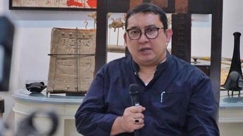 Sudah 'Bikin Malu' Jokowi Gegara Pidato Bipang, Fadli Zon Sarankan Fadjroel Rachman Minta Maaf
