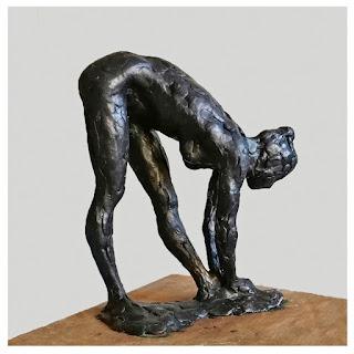 edith_lafay_sculpture_figurative_cire_amandine_penchée