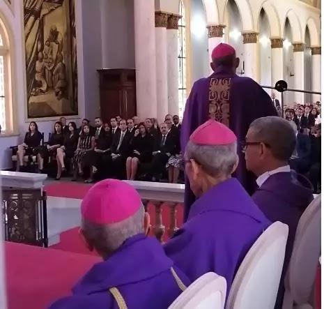 En novenario del padre del presidente Medina obispos dan condolencias