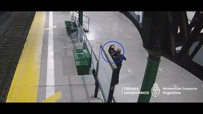 BANFIELD: Intentó escapar entre los trenes pero fue aprehendido.