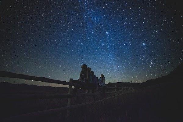 ¿A qué velocidad se expande nuestro universo?