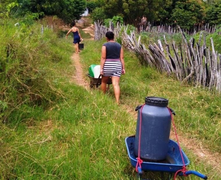Comunidade rural de Poção de Pedras reclama da falta de água a mais de 15 dias.