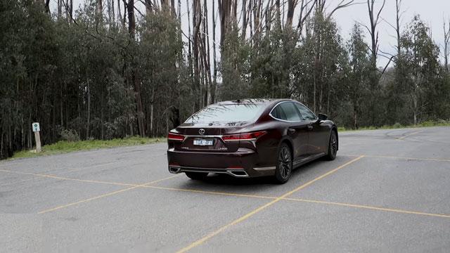 لكزس LS موديل 2020 ... أفضل سيارة سيدان فاخرة من لكزس