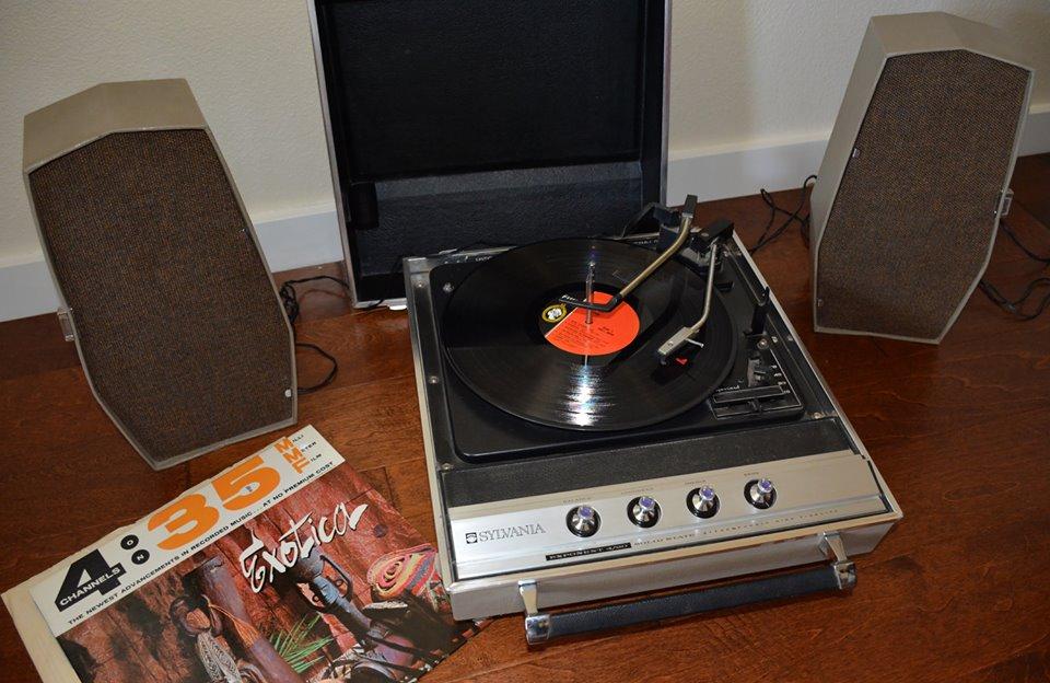 Sylvania Exponent 4 40 Portable Stereo Garrard