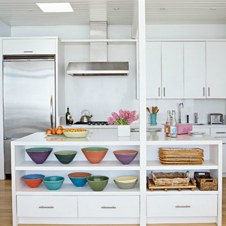 white coastal kitchen with vibrant accessories