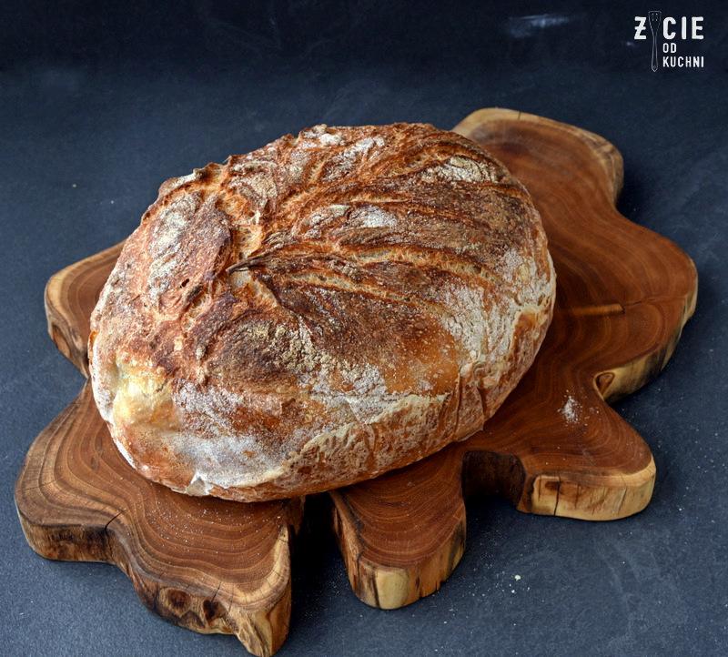 domowy chleb, jak upiec chleb, chleb na zakwasie, zakwas na chleb, zakwas, jak zrobić zakwas, dom chlebem pachnacy, chleb pszenny, zakwas zytni, zycie od kuchni, domowa piekarnia, najlepszy chleb, latwy chleb,