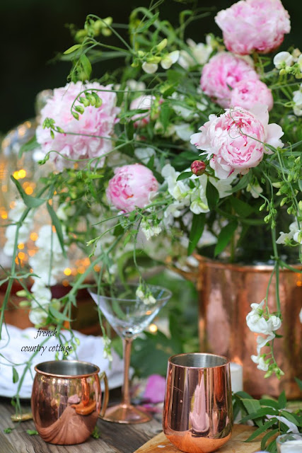 Tips for outdoor entertaining sprinkled with ambiance