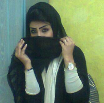 انا فتاة من الأمارات أبحث عن الزواج و الستر و العفاف