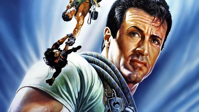 MÁXIMO RIESGO: Stallone escalando montañas contra ladrones asesinos