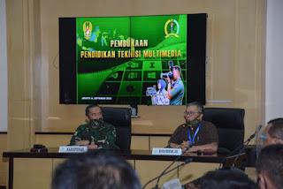 Dispenad Menyelenggarakan Pendidikan Multimedia Bagi Personel Penerangan Kotama/Balakpus.