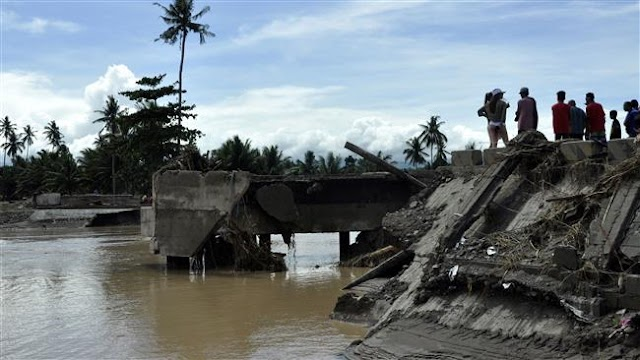Double disaster kills some 240 in Philippines