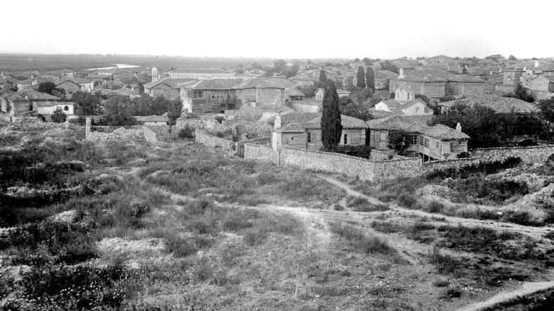 Από την Αίνο, στις εκβολές του ποταμού Έβρου, στην  Ερμούπολη της Σύρου του 19ου αιώνα