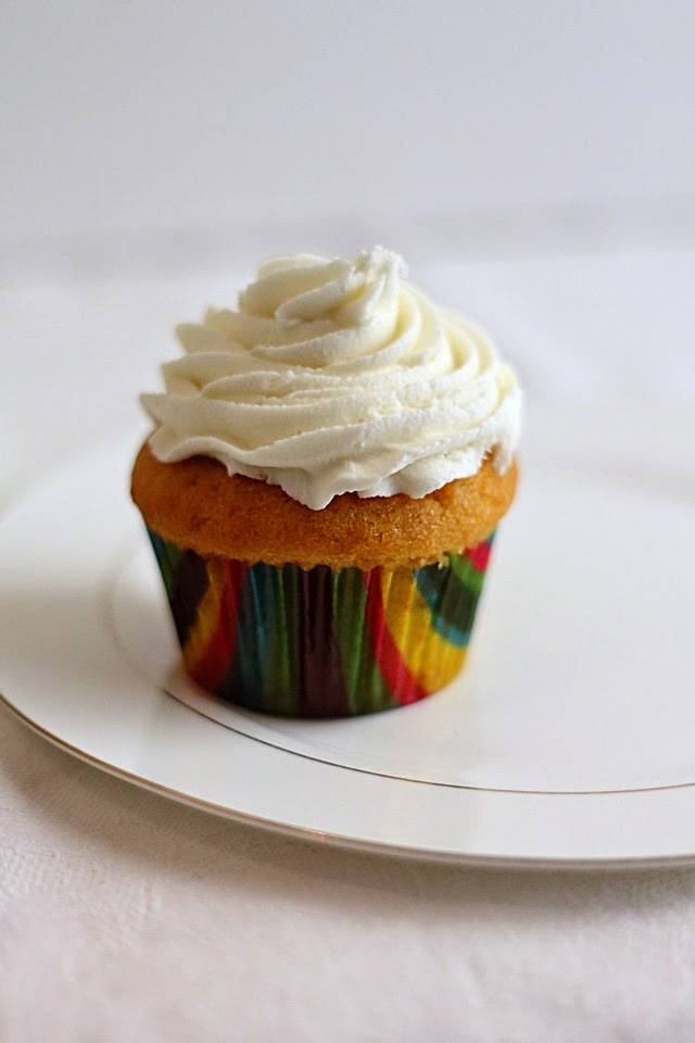 pumpkin cupcakes with cream cheese frosting4