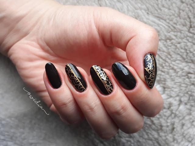 Frischlackiertnailchallenge - Black&Gold.