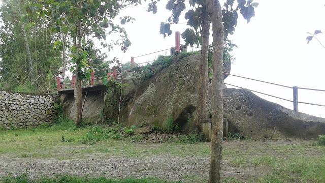 pemandangan batu papal yogyakarta