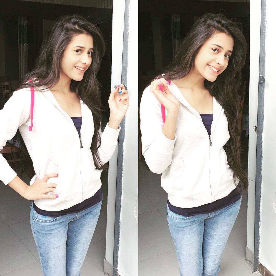 hiba nawab cute smile