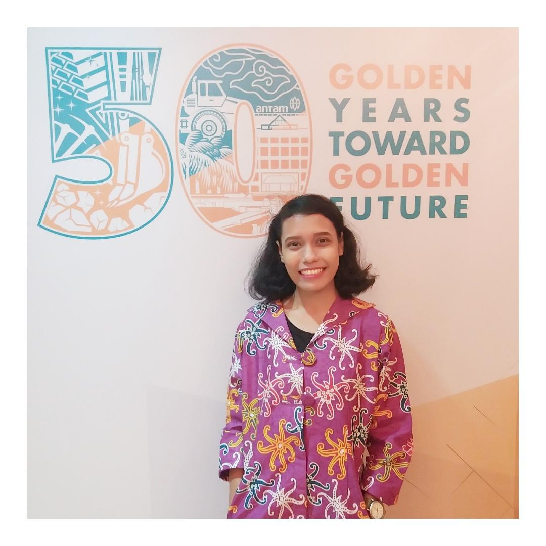 Mencoba Investasi Emas Dari 05 Gram Learning By Doing Batangan Bersertifikat Antam 2018 Logam Mulia 0 5 Stengah Gr Ikut Merayakan 50 Tahun