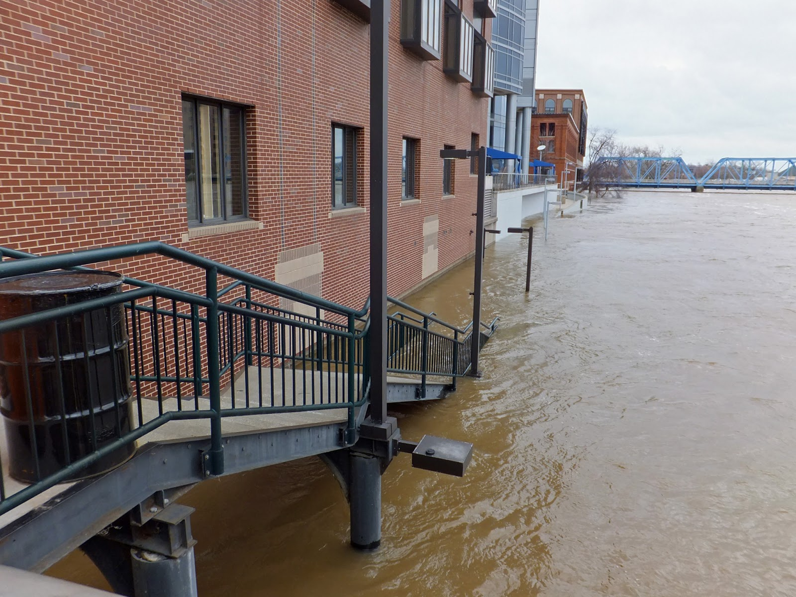 All Things Grand Rapids The River Is Rising And Hotels