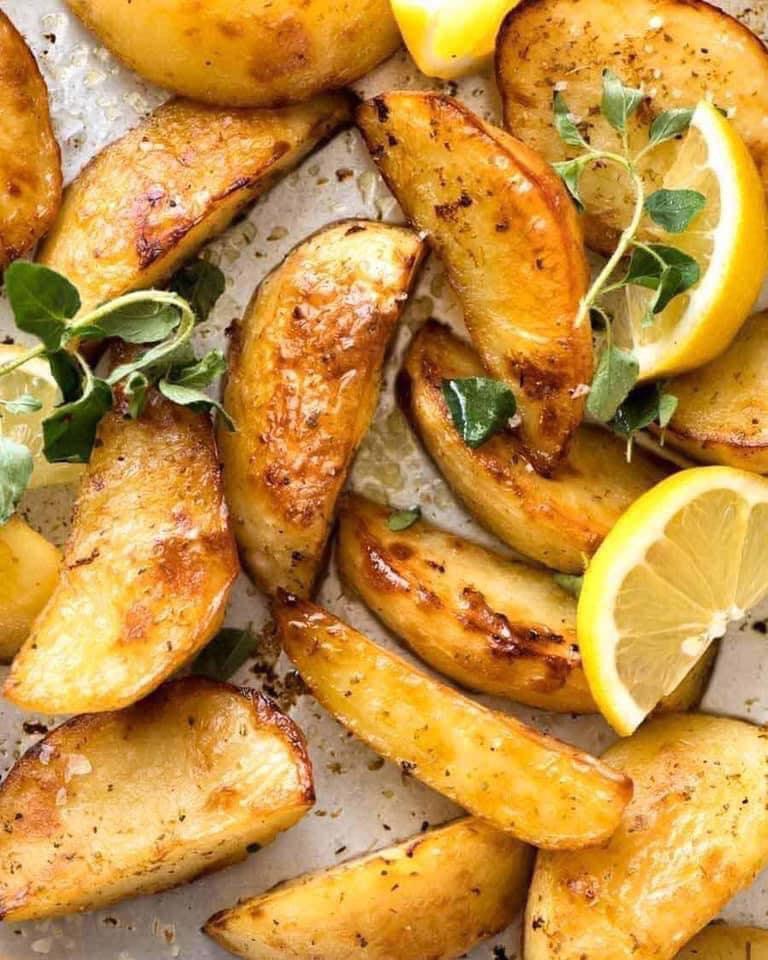 بطاطس يونانية بالليمون