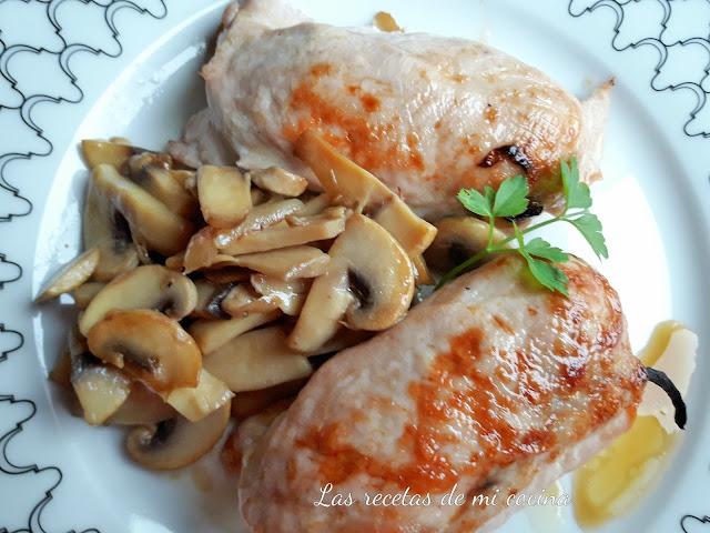 Rollitos de pollo rellenos de cebolla y champiñones