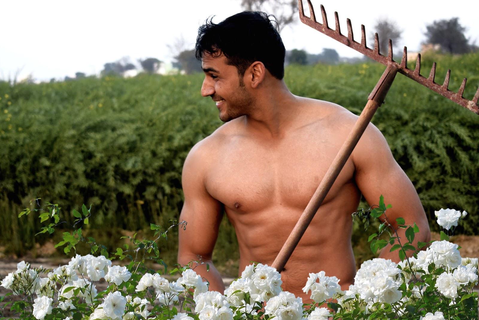 Charles Price naked in his garden | World Naked Gardening