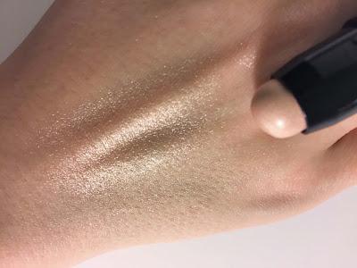 Trestique Highlight + Perfect Multipurpose Stick Maldives Luminescent swatch