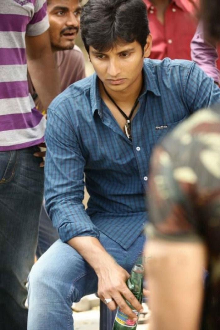 Mugamoodi Tamil Movie Stills Paradesi New Trailer Download