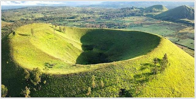 Bukit Jabal Kirmit;10 Top Destinasi Wisata Bondowoso;