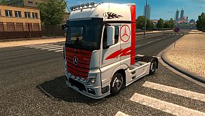 Red and White skin for Mercedes MP4