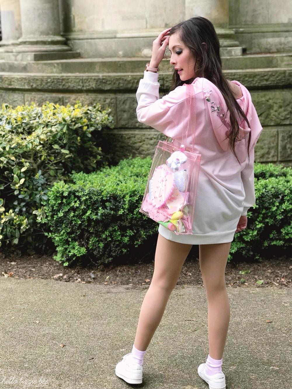 gyaru kei outfit, onee gyaru, datura hoodie