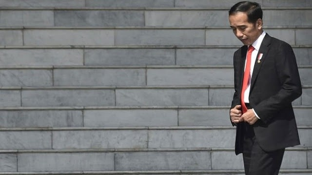 Andai Jokowi Mundur Atau Dimundurkan