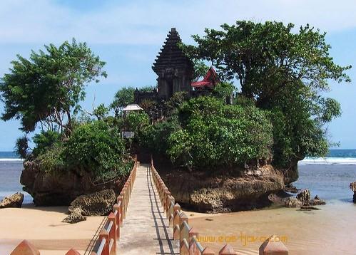 10 Tempat Wisata Pantai Terindah Dan Terbaik Di Indonesia Gambar