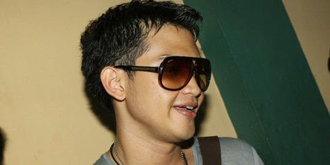Profil Rezky Aditya