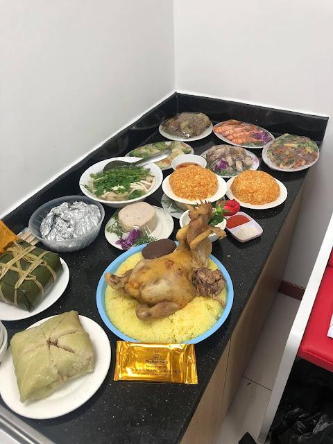 Đặt cỗ tại nhà Nhân Chính, Thanh Xuân
