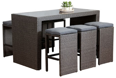 Fine Dining With a Wicker Dining Table