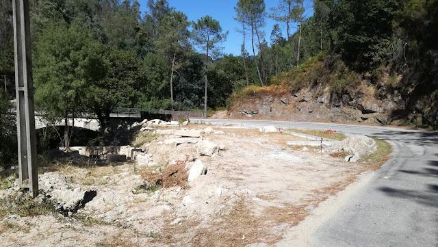 Parque de estacionamento (ainda em obras)