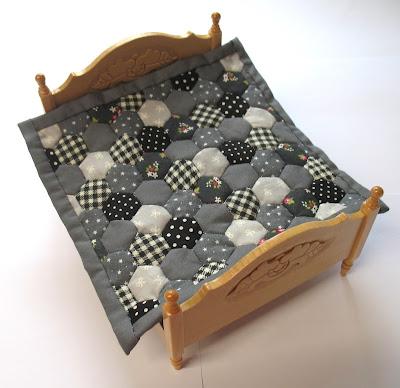 grey dollhouse quilt
