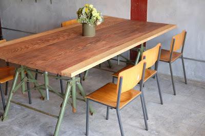 栞日(しおりび)テーブル席