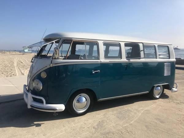 1967 VW 13 Deluxe Bus