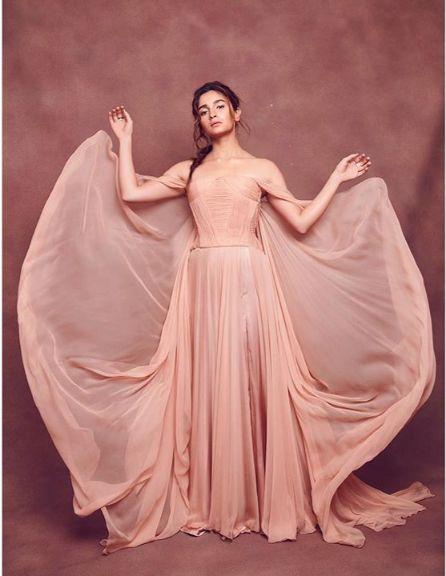 alia bhatt wear backless gown dress